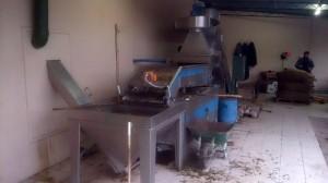 Zeytintağı fabrikasi, zeytinin girişi